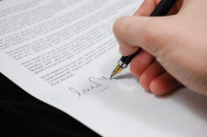 Lee más sobre el artículo RÉGIMEN LEGAL DEL CONTRATO DE TELETRABAJO