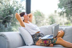Lee más sobre el artículo Bienestar digital en equipos remotos